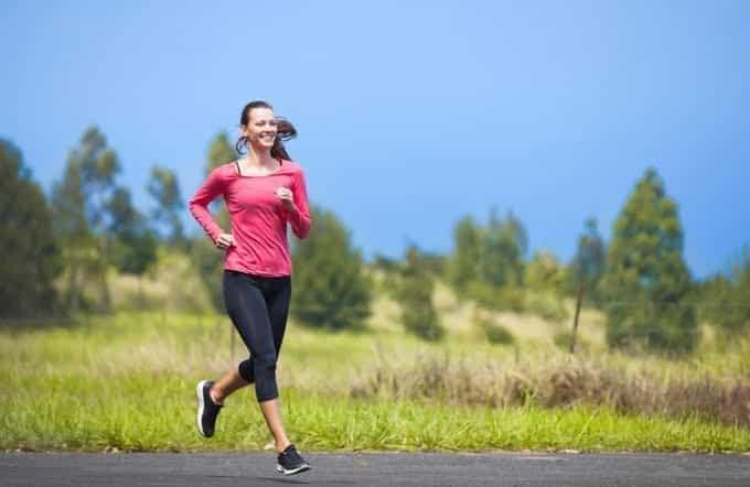 Đường nhựa là cung đường khá phổ biến với runner.