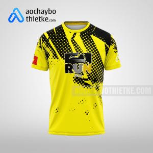 Mẫu áo chạy bộ thiết kế màu vàng Run club mặt trước R5